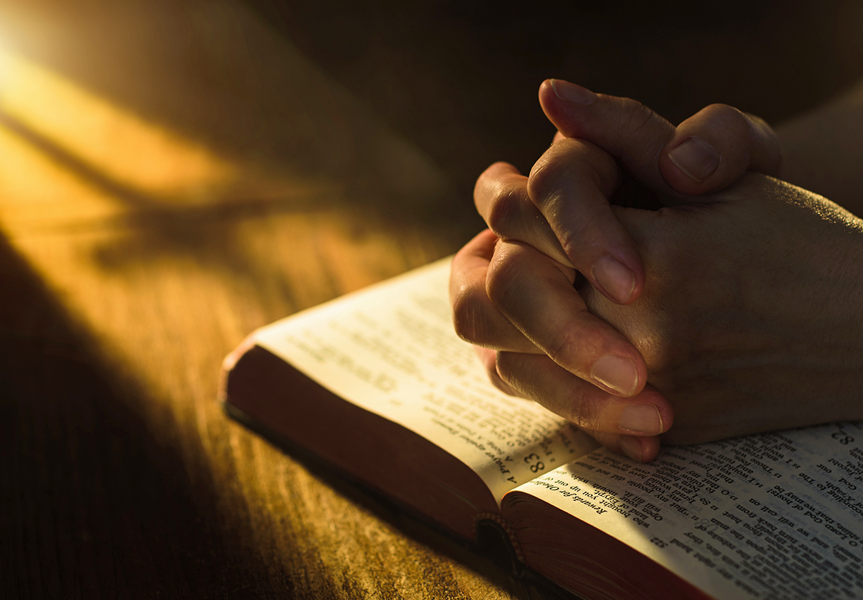 7 Ways to Pray for Vulnerable & At-Risk Children